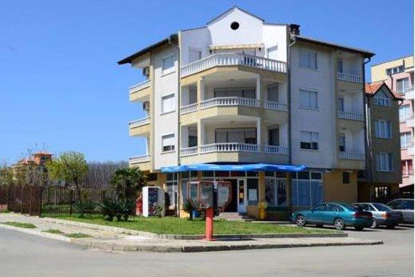 Kirovi Guest House - фото 3