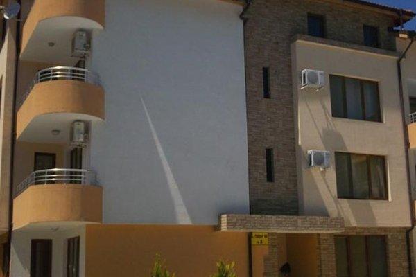 Gal Apartments in Chaika Dreams Complex - фото 4