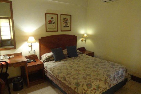Nirula's Hotel - 8