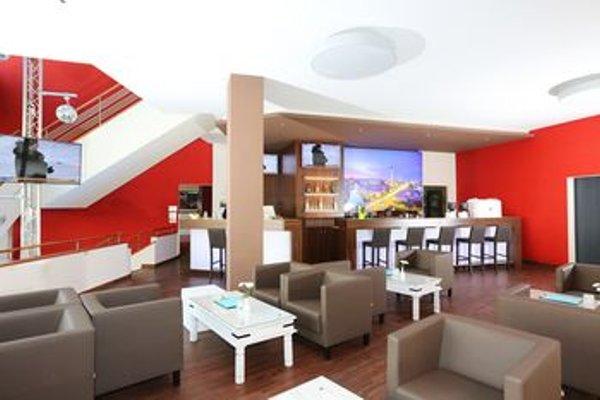 Hoteltow - фото 17