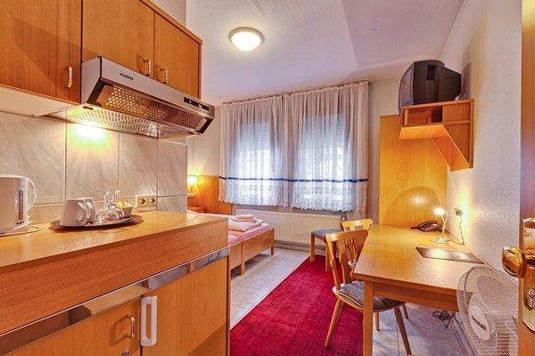 Hotel La Ferte - 12