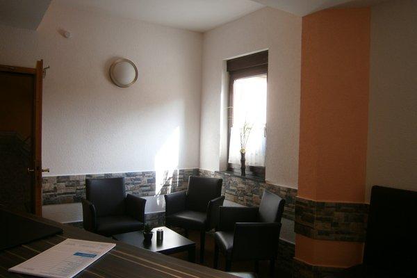 Hotel La Ferte - 6