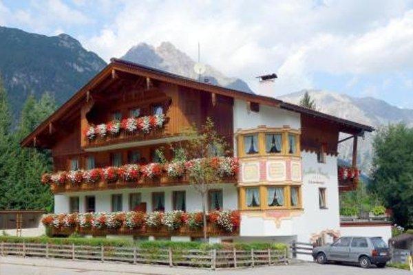Wohlfuhl-Ferienwohnungen Landhaus Karoline - фото 20