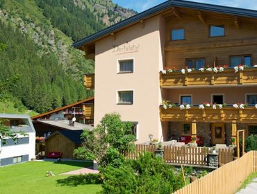 Guesthouse Pension Dorfplatzl