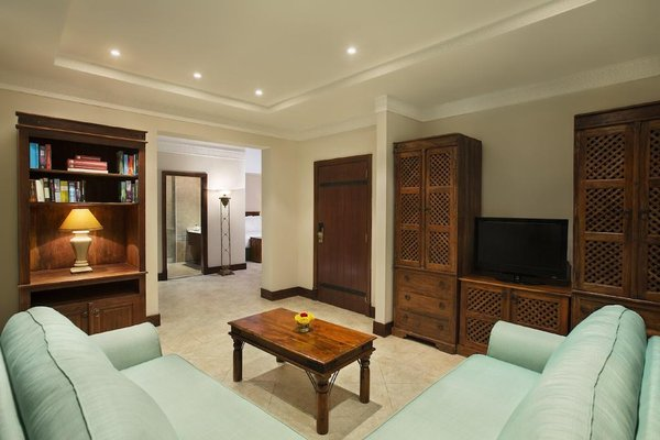 Hilton Al Hamra Beach & Golf Resort (ех. Al Hamra Fort & Beach Resort) - 4