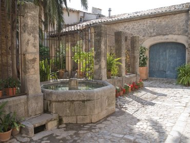 Апартаменты SPECTACULAR PRIVATE TERRACE IN A PALACE.VALLDEMOSA