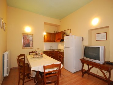 Апартаменты Holiday apartment with pool in Vinci COLONNA 4