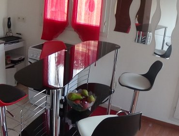 Апартаменты Nice Flat 10 mins from Paris Saint Lazare by train