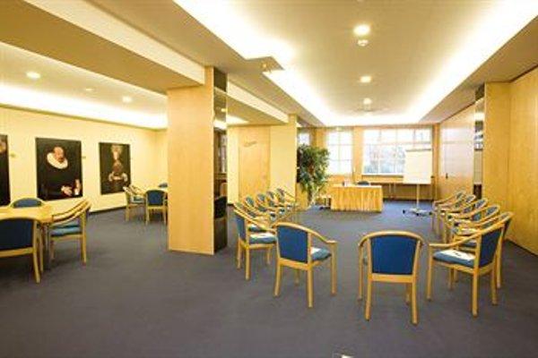 Derag Livinghotel Nurnberg - фото 8