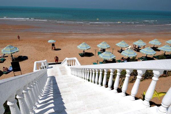 Bin Majid Beach Hotel - фото 51