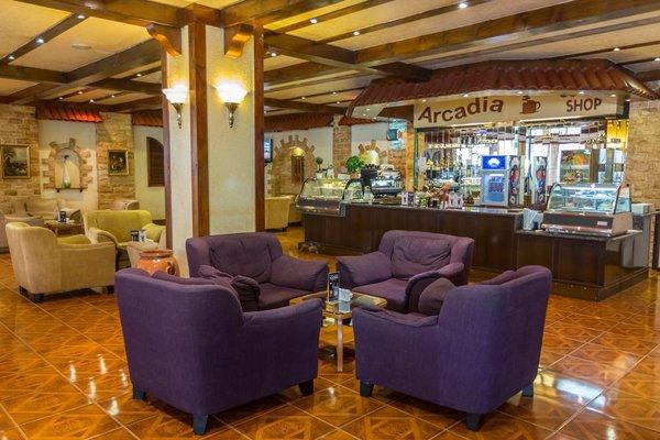 Bin Majid Beach Hotel - фото 4