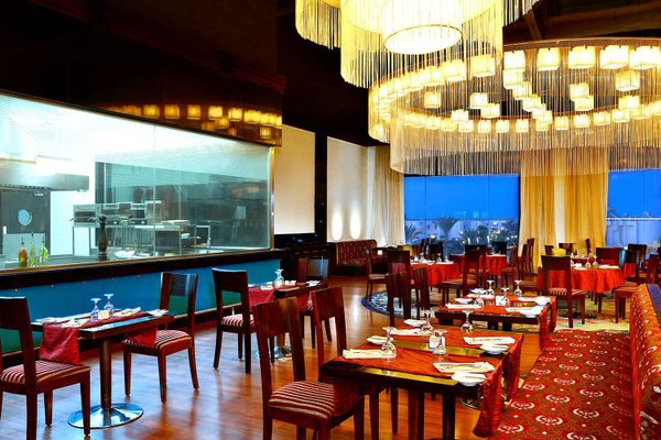 Hilton Hurghada Long Beach Resort - 8