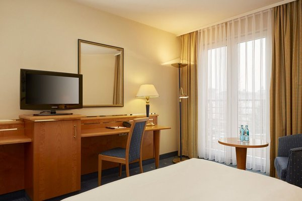 H+ Hotel Magdeburg - фото 4