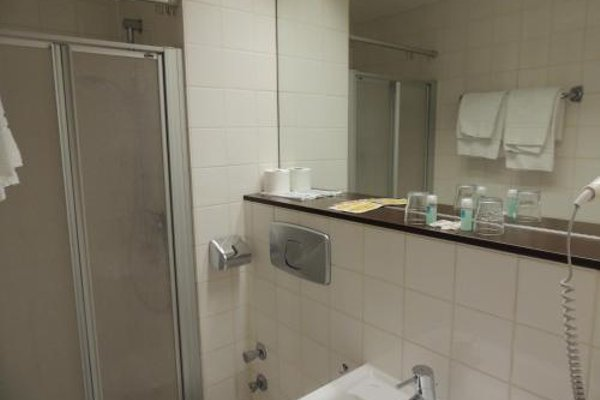AAA Budget Hotel - фото 7