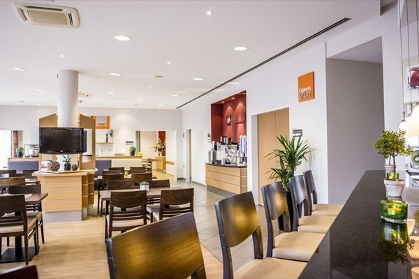 Holiday Inn Express Cologne Mulheim - 11