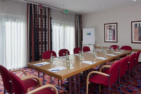 Holiday Inn Express Cologne Mulheim - 17