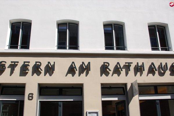 Stern am Rathaus - 18