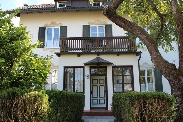 Villa Waldfrieden - Ferienwohnungen und -Haus - фото 22