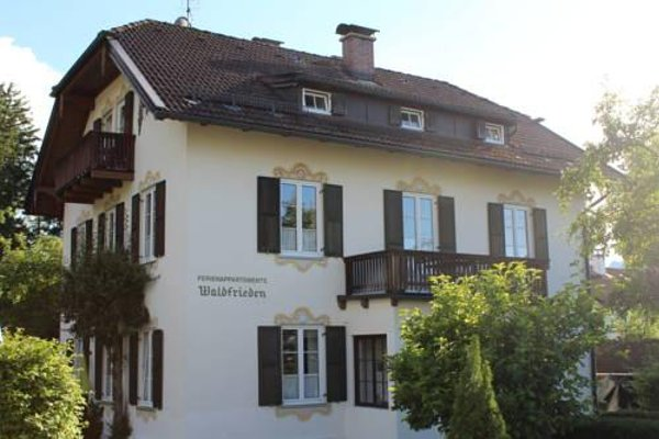 Villa Waldfrieden - Ferienwohnungen und -Haus - фото 23