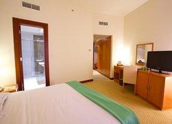 BM Acacia Hotel and Apartments фото 2