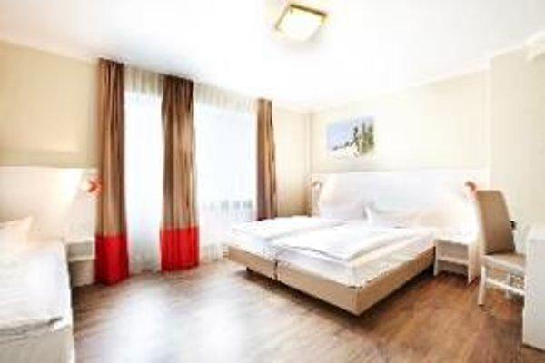 Basic Hotel Ostseehalle - фото 3