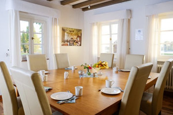 RheinRiver Guesthouse - Art Hotel - 12