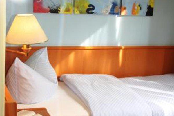 Hotel am Schwimmbad - 3
