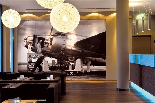 Motel One Hamburg Airport - фото 10