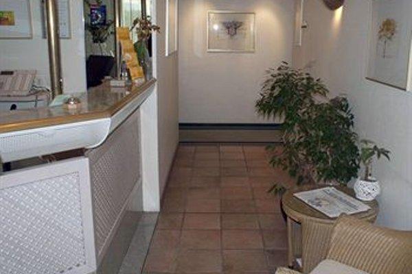 Entree Gross Borstel Garni Hotel - фото 17