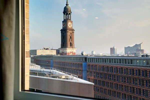 Motel One Hamburg am Michel - 23