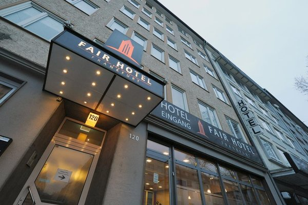 Fair Hotel Europaallee - фото 21