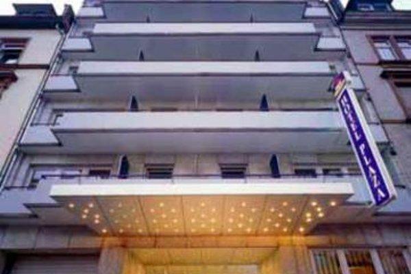 Favored Hotel Plaza - фото 23