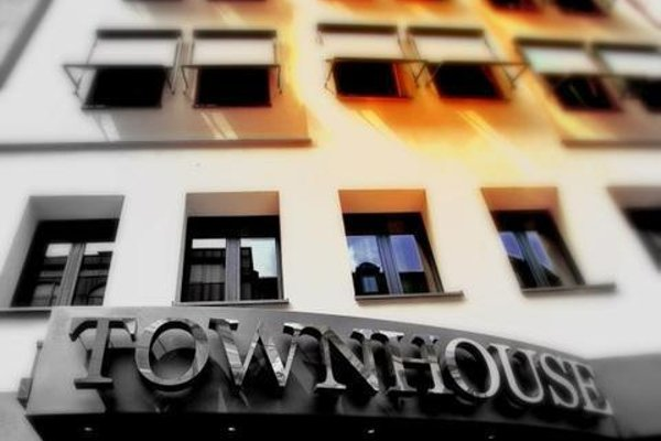 TOWNHOUSE Hotel - 23
