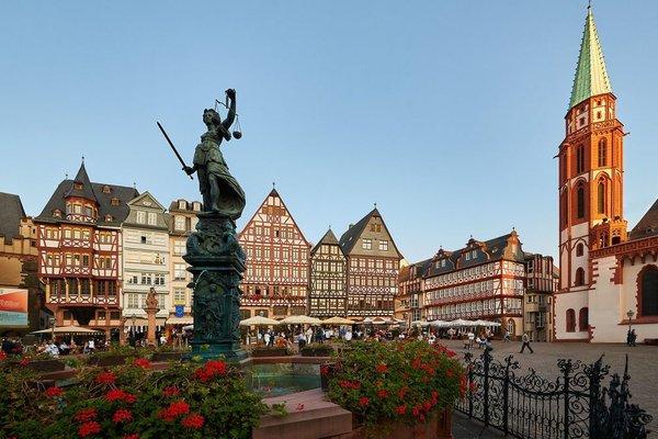 Hilton Garden Inn Frankfurt Airport - фото 19