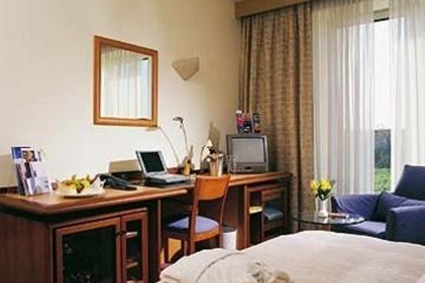 Sheraton Dusseldorf Airport Hotel - 4