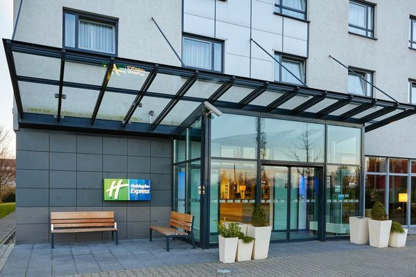 Holiday Inn Express Duesseldorf City Nord - 17