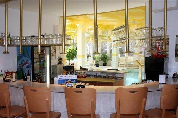Hotel Riviera - 9