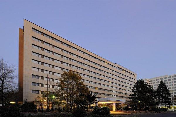 Отель расположен рядом с парком «Рейнпарк» - фото 20