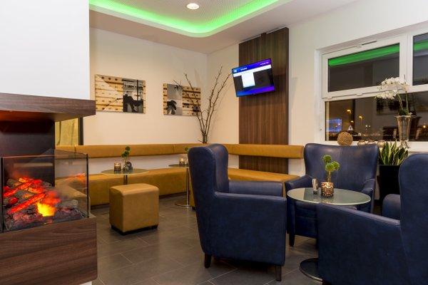 Отель Holiday Inn Express Bremen-Airport - фото 7