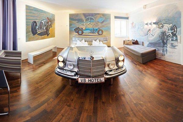 V8 Hotel Motorworld Region Stuttgart - фото 5