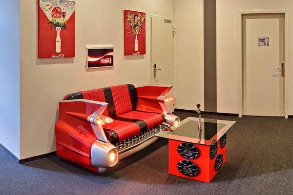 V8 Hotel Motorworld Region Stuttgart - фото 8