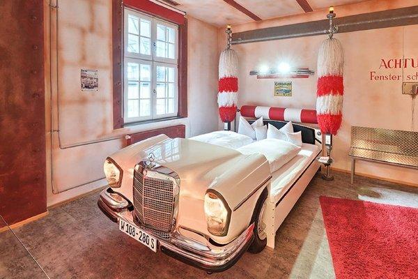 V8 Hotel Motorworld Region Stuttgart - фото 9