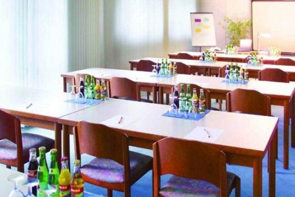SensCity Hotel Berlin Spandau - 10