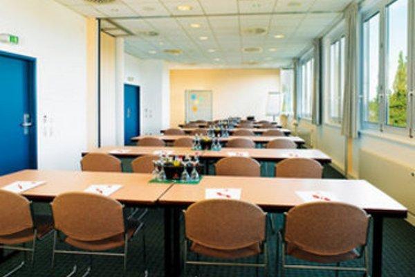 ibis Hotel Berlin Airport Tegel - 18