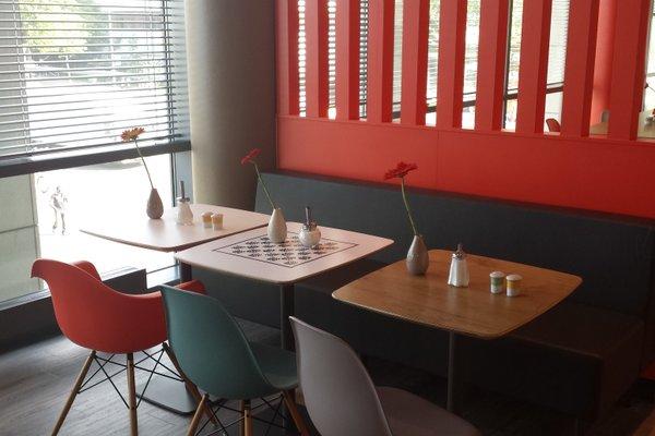ibis Hotel Berlin Spandau - 8