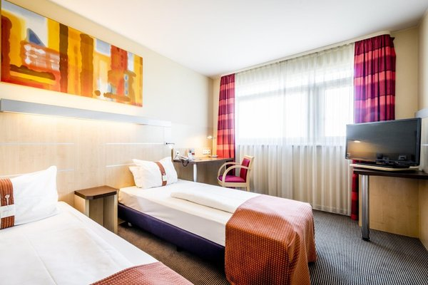 Holiday Inn Express Berlin City Centre - 35
