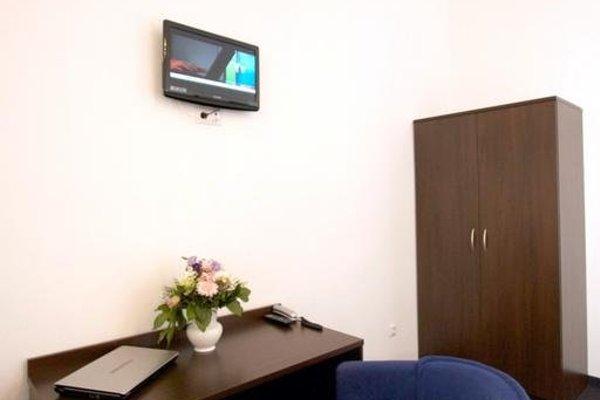 Arta Lenz Hotel - 8