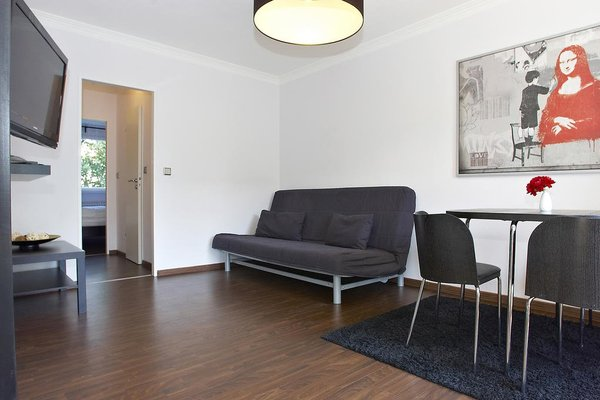 Q Damm Apartments - фото 6