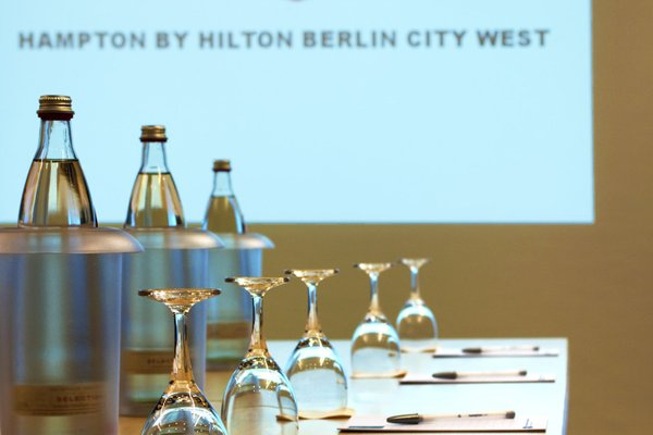 Hampton by Hilton Berlin City West - фото 9
