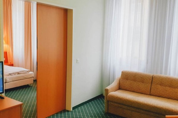 Hotel Kubrat in Helle Mitte - 4